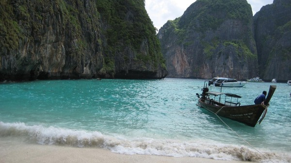 phuket photos daylife islands phi phi island